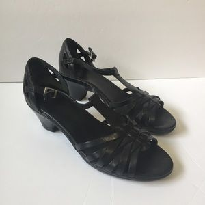 Clarks Black T-Strap Leather Upper Heels Sz 8.5